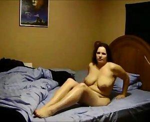Amateur brunette milf hidden cam