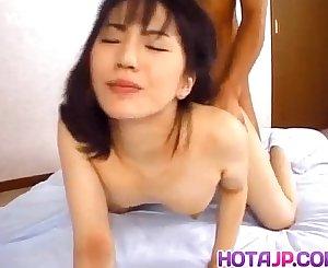 Japanese AV Model is fucked in vagina