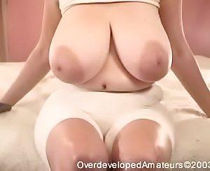 Deedee Saggy Tits ( very very good )