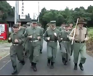 Train Japanse vrouwen in het leger (Zie meer: bit.ly/2qnI3Pt)