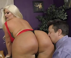 The Queen of Ass Takes A Fresh Slave - Julie Cash