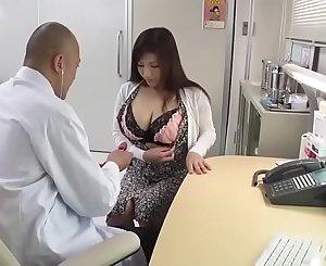 変態医師の母乳治療